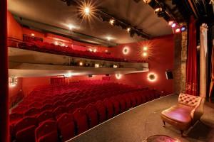 Saal von Bühne